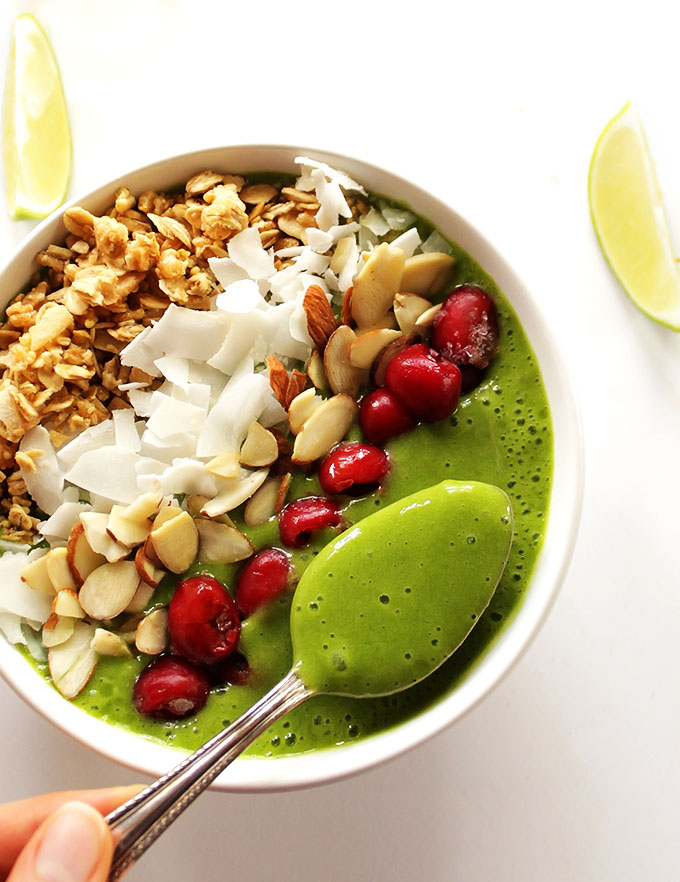 Green Lime Smoothie Bowl - Creamy, sweet, tart, and refreshing. This smoothie bowl is packed with spinach and topped with anything you desire! We love this recipe for breakfast or as a snack! Vegan / gluten free/ refined sugar free.