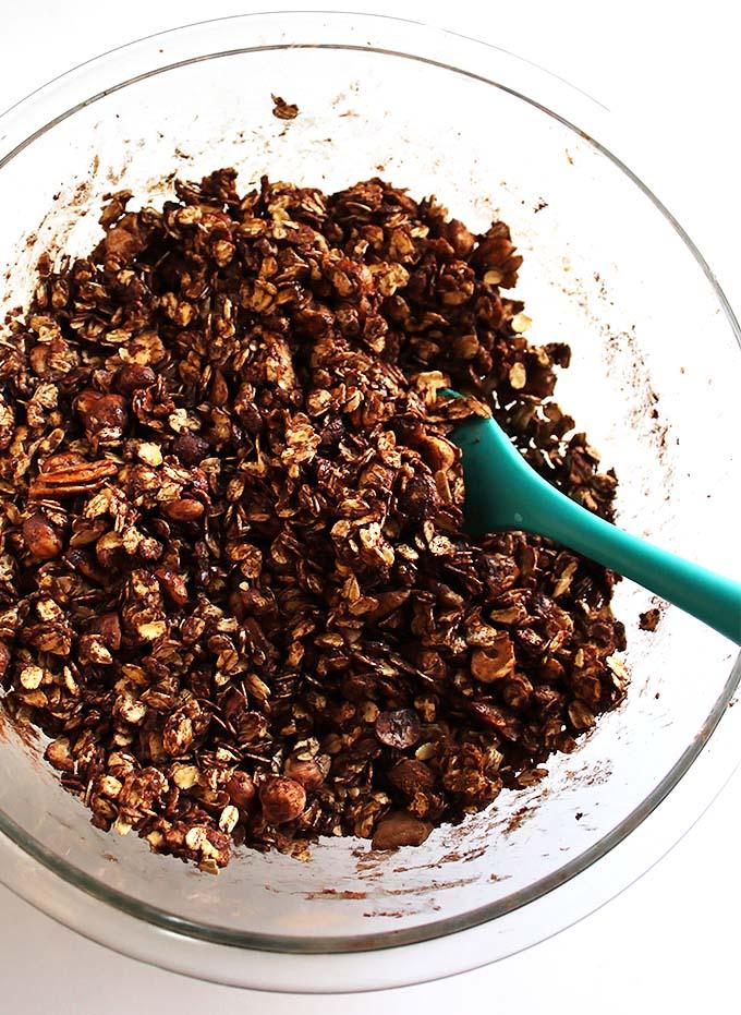 Crunchy Chocolate Hazelnut Granola. gluten free and refined sugar free.