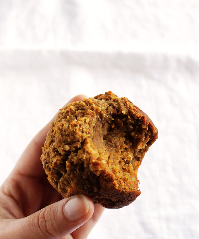 Gluten Free Pumpkin Muffins - Packed with pumpkin, warming spices, and a hint of apple. This recipe uses wholesome ingredients. It's easy to make! Perfect for Fall! Gluten Free/Refined Sugar Free/Dairy Free | robustrecieps.com