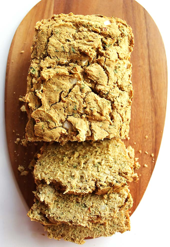 Gluten Free Savory Zucchini Bread - this tender bread is filled with onion, herbs, garlic, and zucchini. We LOVE this recipe in the fall! gluten free/dairy free. | robustrecipes,com
