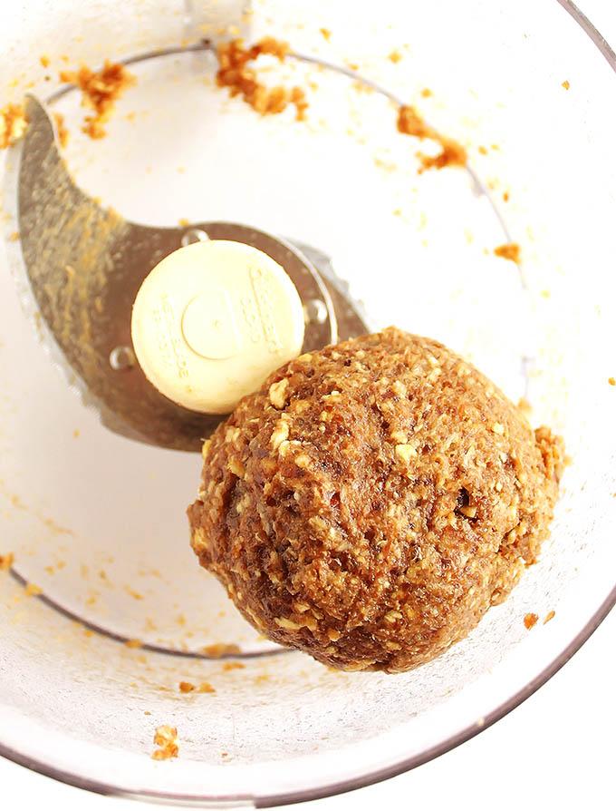peanut butter apple granola bars. vegan/gluten free | robustrecipes.com