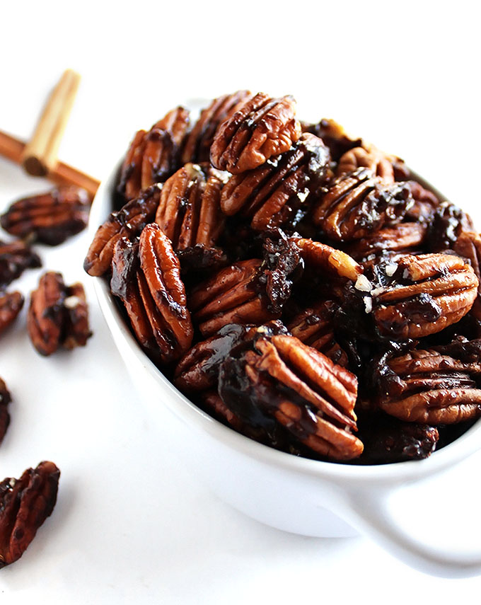 5 Minute Spiced Pecans - Only 7 ingredients! This recipe is EASY to make. They are great for snacking, salads, oatmeal, or yogurt! We love to make these as an edible gift. Vegan/gluten free/refined sugar free | robustrecipes.com