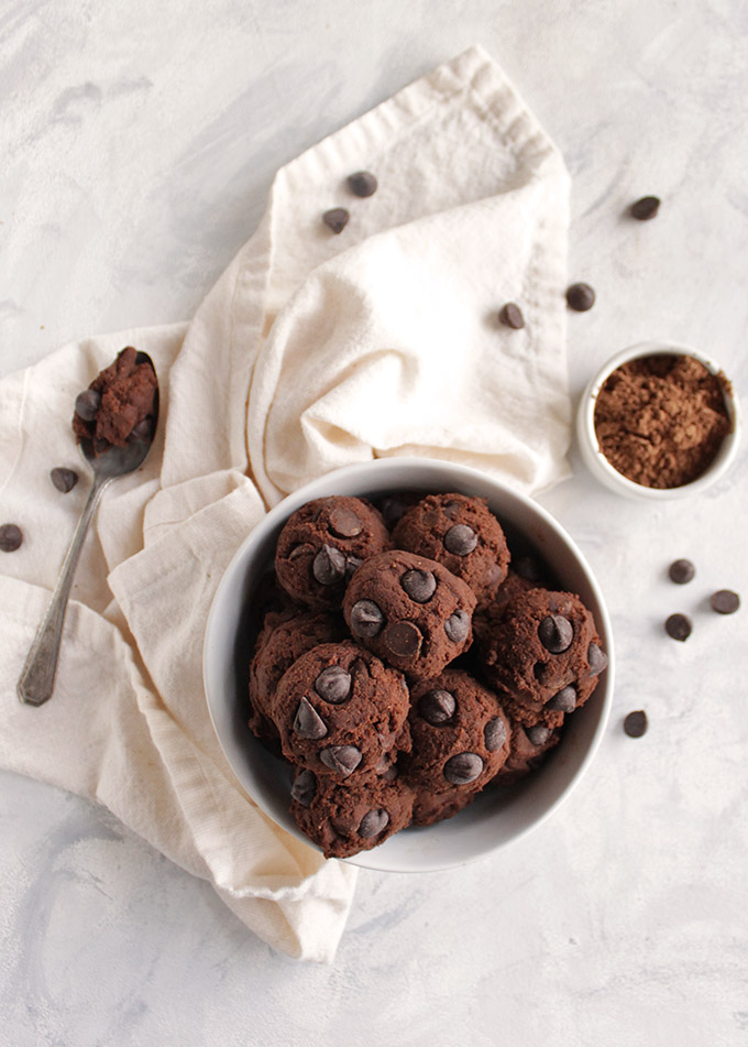 Healthy Mint Chocolate Edible Cookie Dough