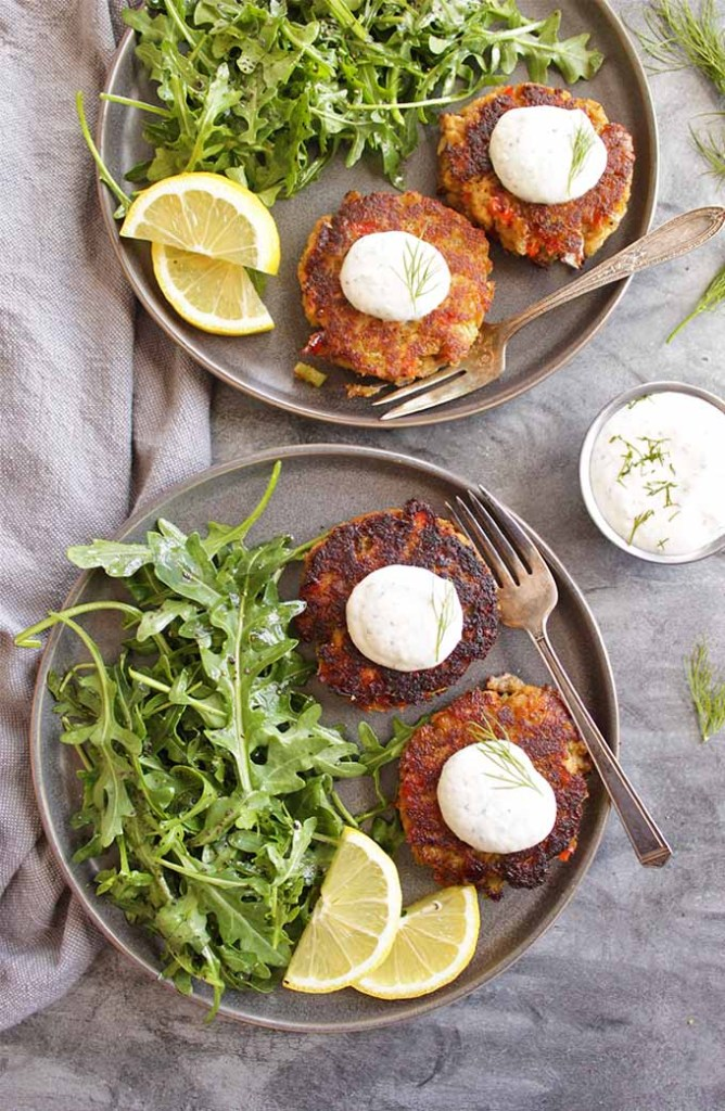 Easy Salmon Cakes with Greek Yogurt Horseradish Dip