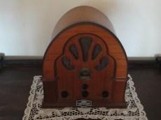 Radio, Bruns Hotel living room