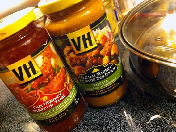 Thai chilli and korma sauce
