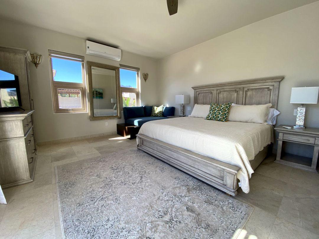 Hibiscus Room Bed