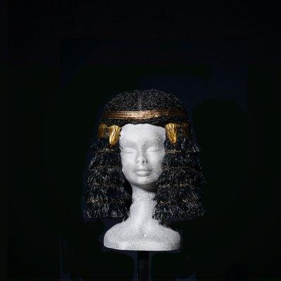 Parrucca Egitto con fascia e decorazioni dorate