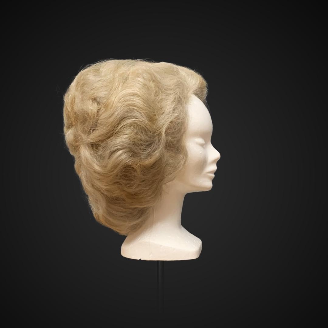 Parrucca voluminosa stile fine '800