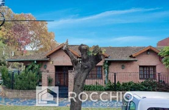 Casa en Villa Ballester, Falucho 2600