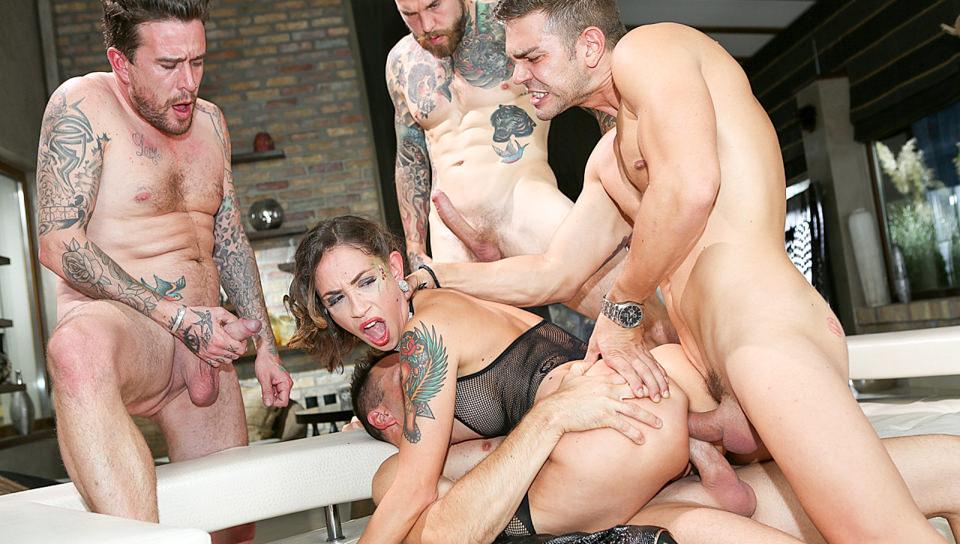 3 Cocks, 1 Slut, Doppio sesso anale Gangbang! - Malena, Choky Ice, Dean Van Damme, Luke Hotrod, Juan Lucho