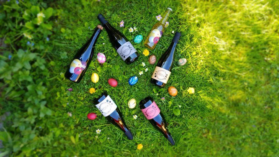 paques oeufs bouteilles vin