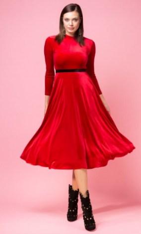 rochii de catifea rosii elegante