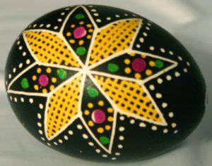 Huevos pysanky ucranianos motivos geométricos
