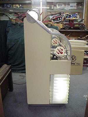 1951 AMI D40 jukebox right side
