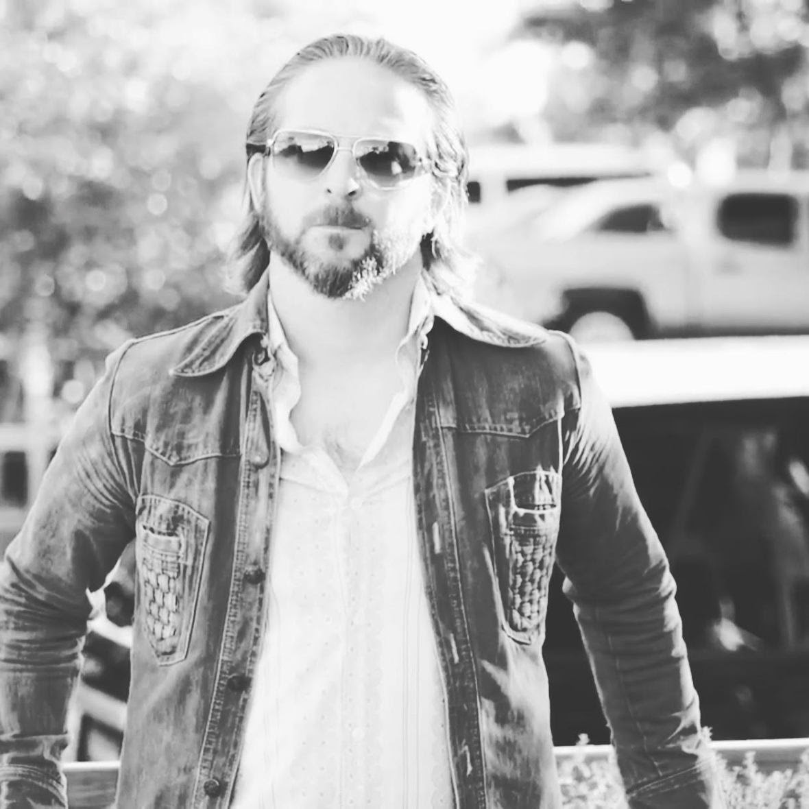 DAVID MICHAEL GEORGE RELEASES NEW ALBUM 1,000 YARD STARE; SETS ALBUM RELEASE SHOW 5/26 IN DALLAS