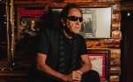 Johnny Burning debuta en solitario con 'Hagámoslo'