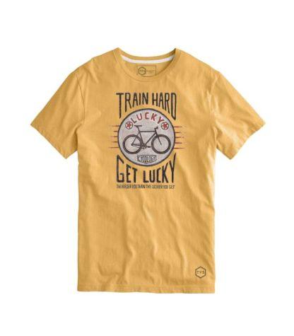 camiseta train hard
