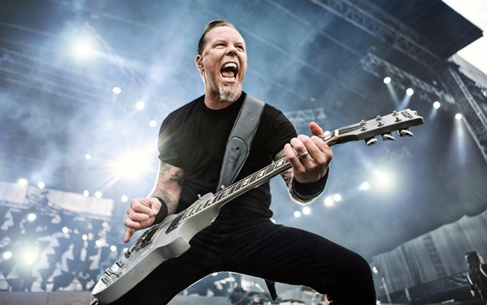 James Hetfield playing