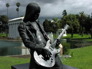 Johnny_Ramone_-_Hollywood_Forever_Cemetery_1