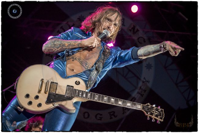 THE DARKNESS - Crónica Garage Sound Fest