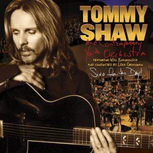 TOMMY SHAW edita directo con la CYO & Chorus