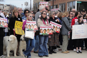 Roanoke teachers rally against General Assembly