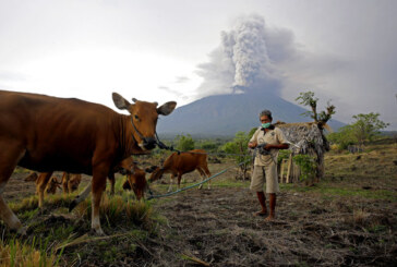 More told to evacuate Bali as deadly volcano erupts