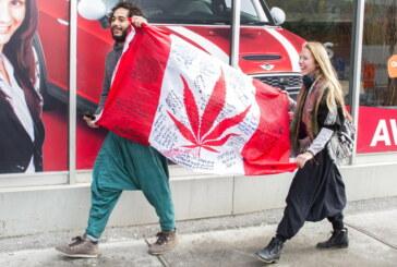 Customers light up as Canadian pot sales begin