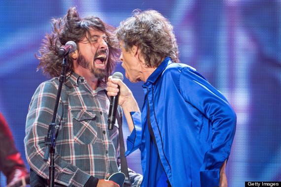Stones anunciam nova coletânea de sucessos contendo parcerias com Dave Grohl e Florence Welch