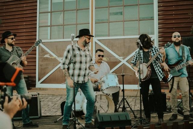 Folk rock: Old Dog lança novo clipe