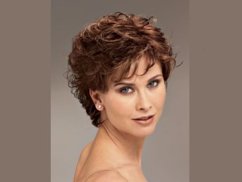 short hair styles for women frizzy hair