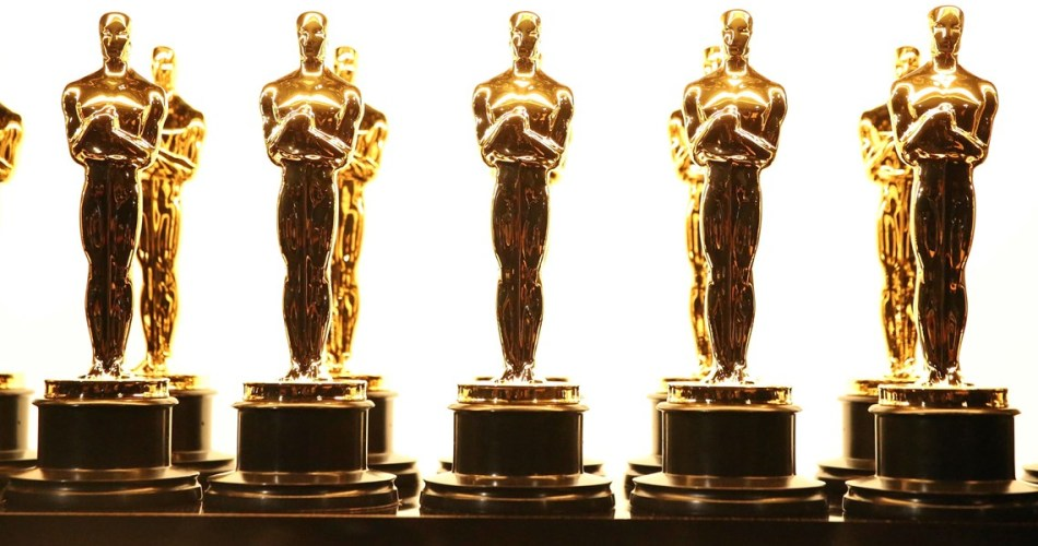 What were the Oscar statuettes made of during World War II? What were the oscar statuettes made of during world war ii plaster stone wood?