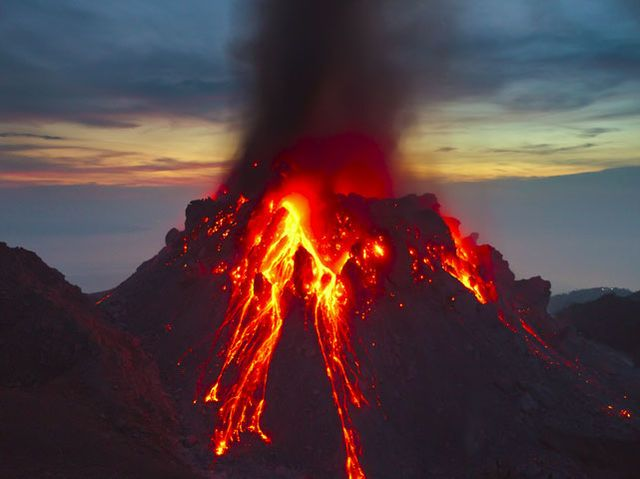 What phenomenon sometimes happens when a volcano erupts
