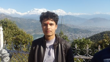 A photo with the mountain view