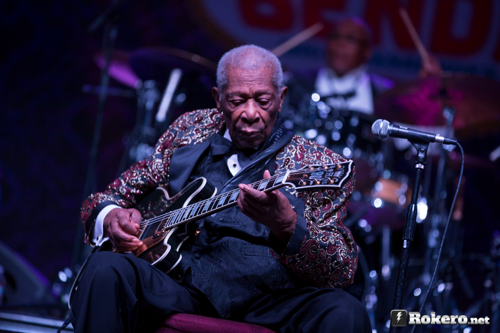 bb king at concert