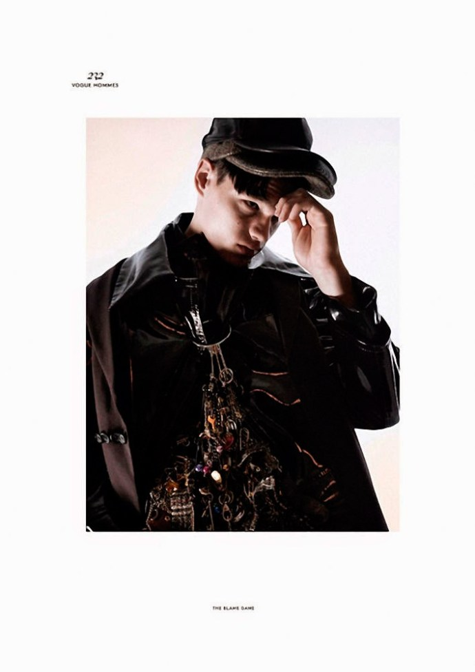 FILIP HRIVNAK PARA  VOGUE HOMMES INTERNATIONAL POR DAVID SIMS 11