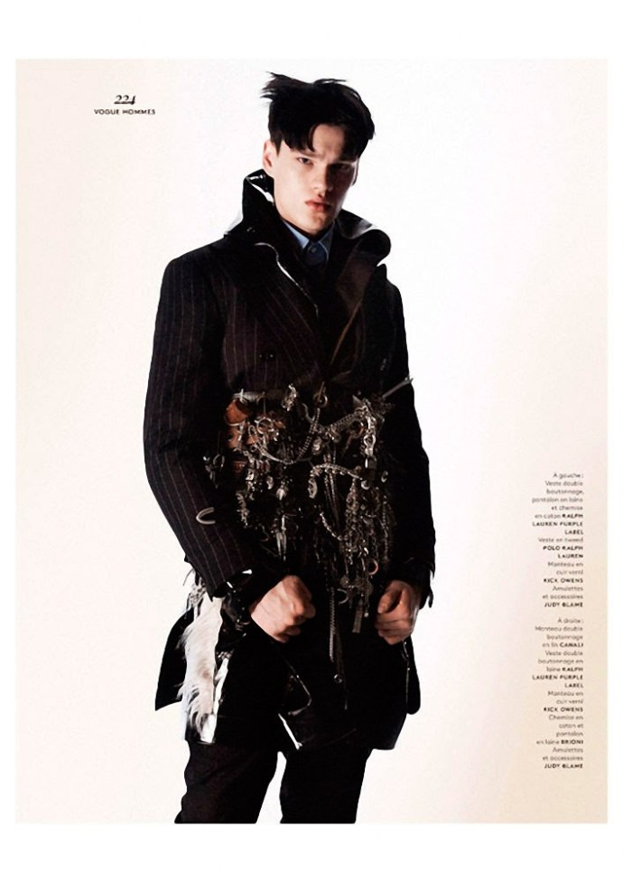 FILIP HRIVNAK PARA  VOGUE HOMMES INTERNATIONAL POR DAVID SIMS 4