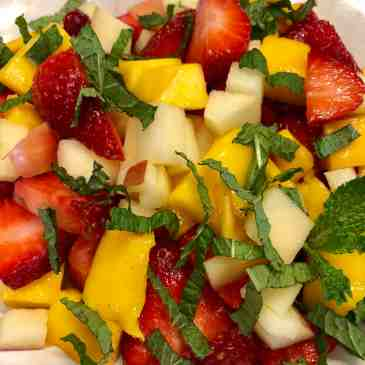 rocket mango/apple/strawberry salad
