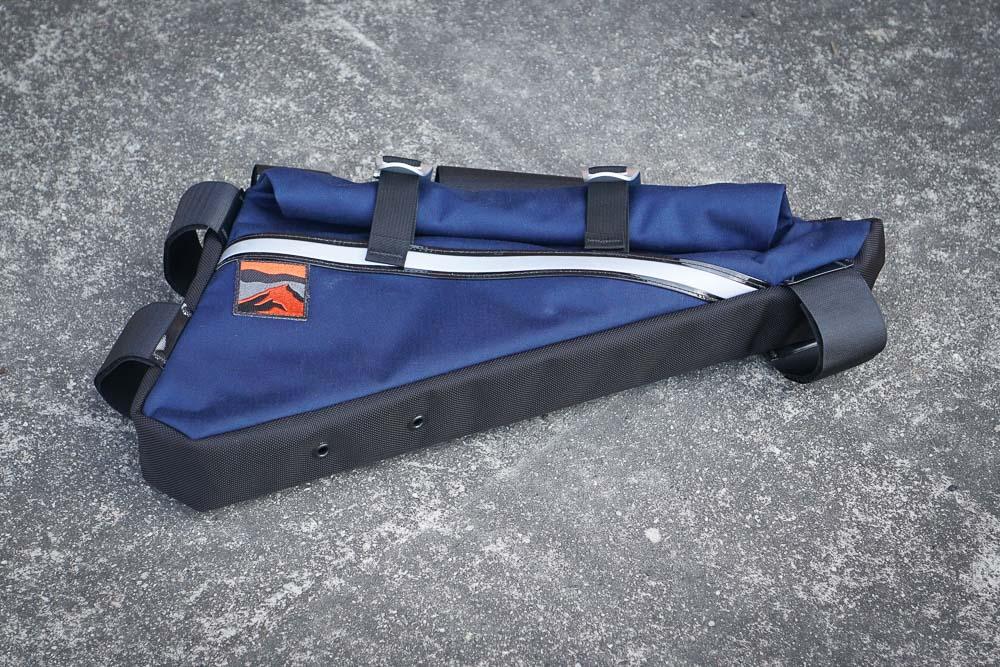 Bolt on spine for custom framebags