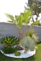 Beautiful Garden Landscaping Design Ideas 40