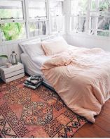 Inspiring Simple And Comfortable Bedroom Design and Layout 41