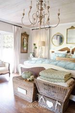 Inspiring Simple And Comfortable Bedroom Design and Layout 59
