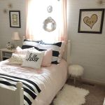 Inspiring Simple And Comfortable Bedroom Design and Layout 66