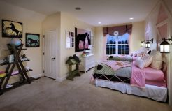 Inspiring Simple And Comfortable Bedroom Design and Layout 74