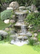 Make a mini waterfall in the garden 24