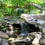 Make a mini waterfall in the garden 7