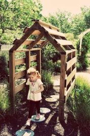Amazing Creative Wood Pallet Garden Project 61