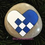 Creative diy painting rock for valentine decoration ideas 34