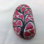 Creative diy painting rock for valentine decoration ideas 40